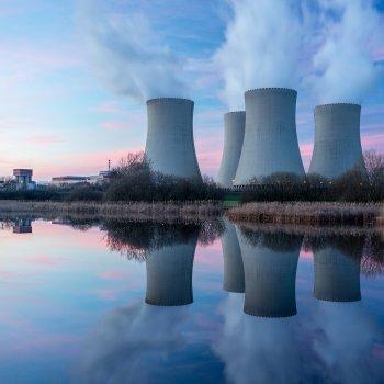 Jaderná elektrárna Temelín a historické město Písek